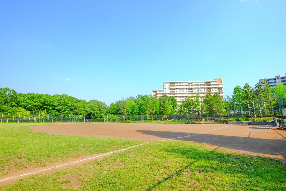 諏訪北公園野球場