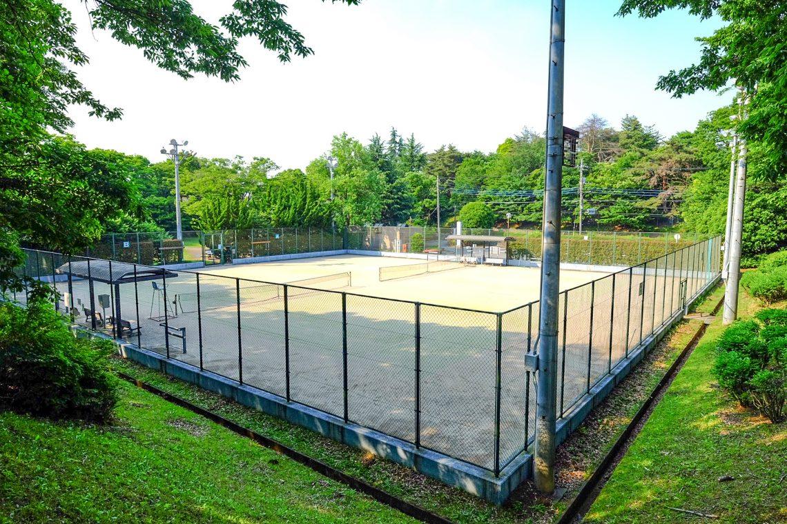 連光寺公園庭球場